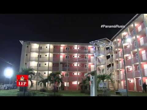 Varela entrega primeros apartamentos para Altos de Los Lagos