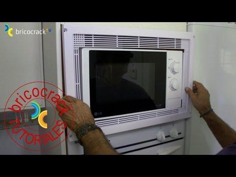 Instalar el marco de un microondas (Bricocrack)