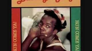 Barrington Levy - On The Telephone ( Minibus )