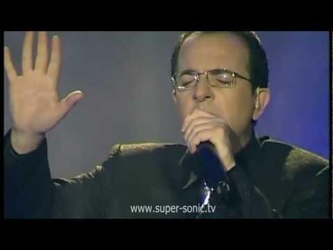 Ardit Gjebrea-Flas me henen