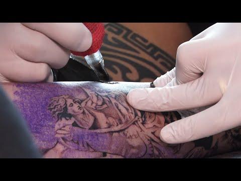 Tatuador friburguense conquista título internacional com desenhos realistas