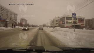 Перевозчики ездят по пешеходным переходам