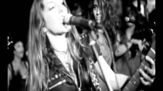 Nag (Joan Jett) by ZONE SISTERS in Spain