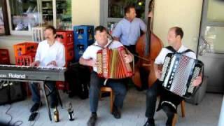 preview picture of video 'Stobete im Sedel, Restaurant & Kinderparadies Herisau 24.05.10'