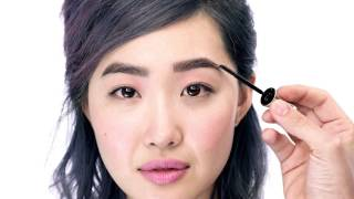 Seal the deal! Introducing…ready, set, brow! from the NEW Benefit Brow Collection. This eyebrow serum keeps brows in tip-top shape with a flexible & flake-free formula. Hold brow hairs in place & lock on makeup for up to 24 hours!  Use the long bristles to sweep through the brow, start to arch. Use the smaller bristles to apply arch to end.