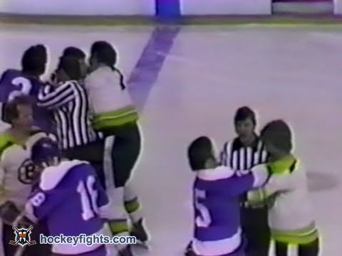 Phil Esposito vs. Duane Rupp