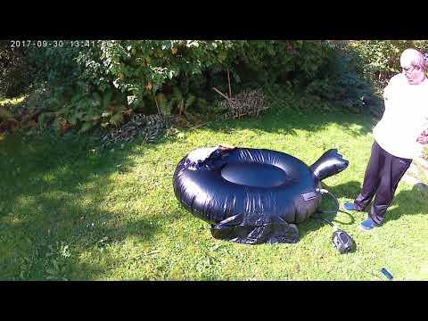 Erstes aufblasen eines XXL Tukans / First inflating of a giant tucan