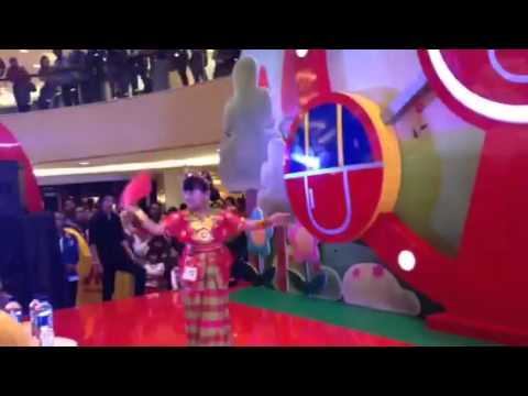 Video Naftali (lily imut ) fashion show baju adat makasar ,agustus 2015