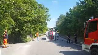 ambulanza-si-ribalta-in-via-pennini-tre-feriti