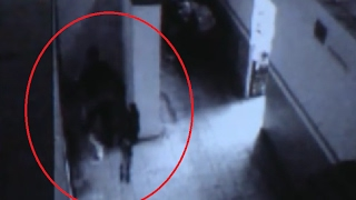 Policeman videotapes a ghost or black angel / Real Ghost Videos 23