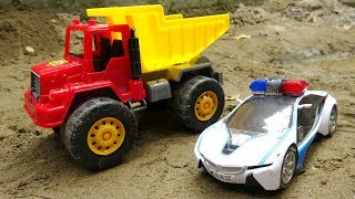 Police cars catch bad trucks C285S - toys for kids