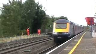 preview picture of video 'First Great Western passenger trains at West Drayton 21/09/2012'