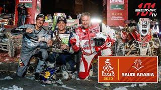 Rafał Sonik z dwoma trofeami na mecie Rajdu Dakar 2020