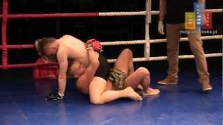 preview picture of video 'MMA - Mateusz Mierzejewski (Fight Academy Ostrołęka) vs Hubert Świerczyński (Apin Wyszków)'