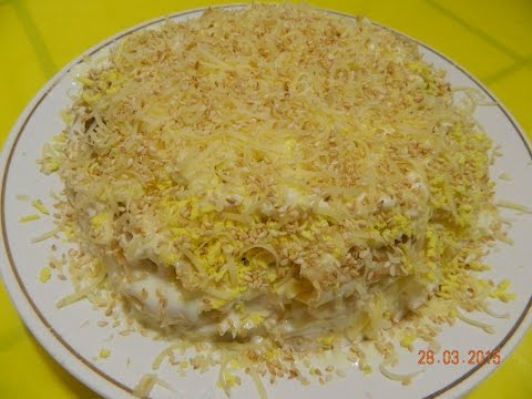 "Салат ""Наслаждение"" (куриное филе, яйцо, банан, яблоко, сыр, кунжут, изюм, майонез). Мясные салаты."