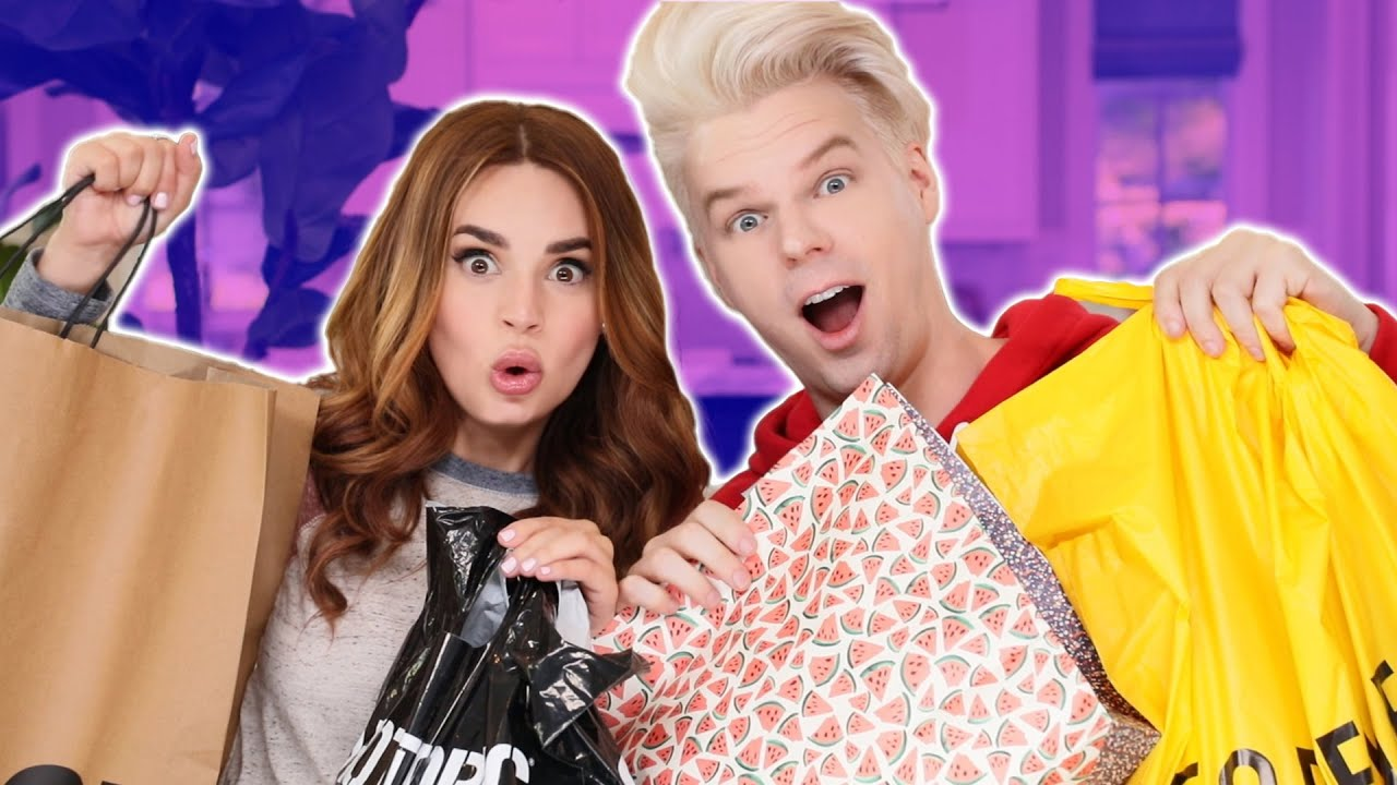 MY BOYFRIEND BUYS MY OUTFITS! thumbnail
