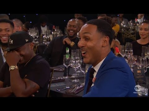 , title : 'Anthony Anderson Roasts LeBron James &  JR Smith at 2018 NBA Awards'