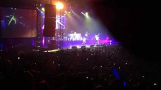 LMFAO - party rock, champagne shower (Tesla arena Praha)