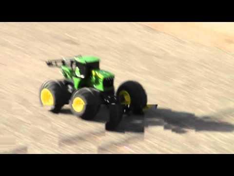 ERTL John Deere Monster Treads RC Tractor, Model# 46155