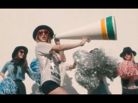 Download Video Taylor Swift 22 Mp4 & 3gp   NetNaija