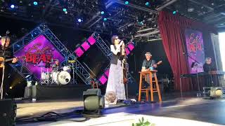 10,000 Maniacs at Epcot