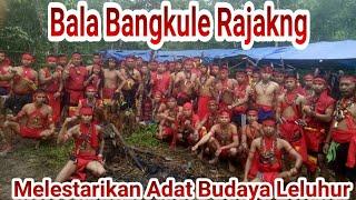Atraksi Pasukan Merah Bangkule Rajakng