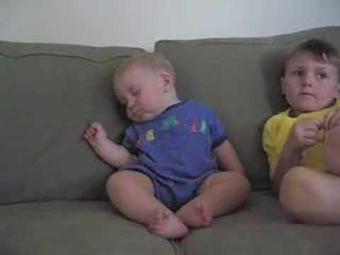 Baby Wants to Sleep :) funny