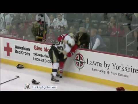 Kris Letang vs Travis Zajac