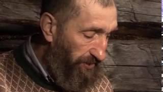 """Г. Соловьев делает камус для лыж / Из не вошедшего в фильм """"Счастливые люди"""""""