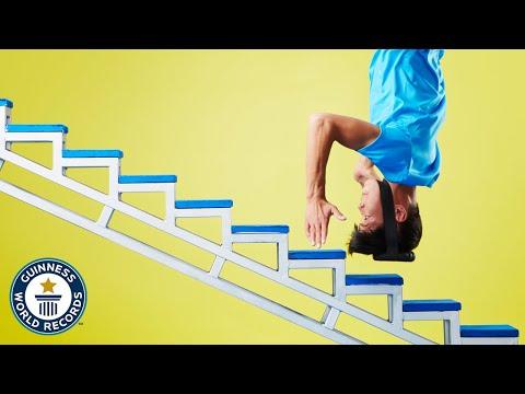 שיא העולם בטיפוס מדרגות על הראש!