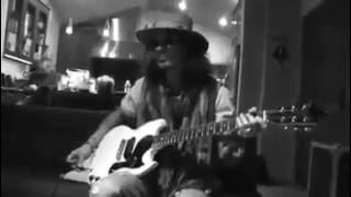 Джонни Депп очень крутое соло на гитаре!