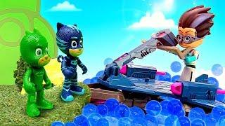 Видео с игрушками. Герои в Масках против Ромео!