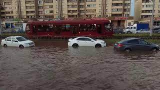 Mini амфибия  после дождя 26.06.18 Казань проспект Победы Honda Accord гидроудар