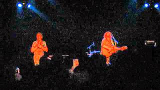 The Drones - Sixteen Straws (live at the Metro Theatre, Sydney, 29th October 2011).avi