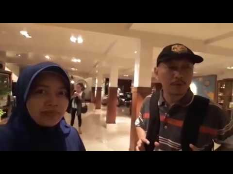 mp4 Pengunjung House Of Sampoerna, download Pengunjung House Of Sampoerna video klip Pengunjung House Of Sampoerna