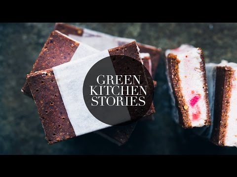Video Rhubarb Ice Cream Sandwiches