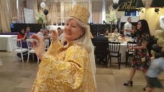 Казахский танец в исполнении молдаванки!
