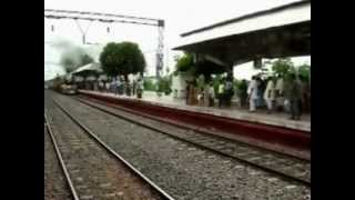 preview picture of video 'HERITAGE TRAIN_ HOWRAH TO BANDEL.flv'