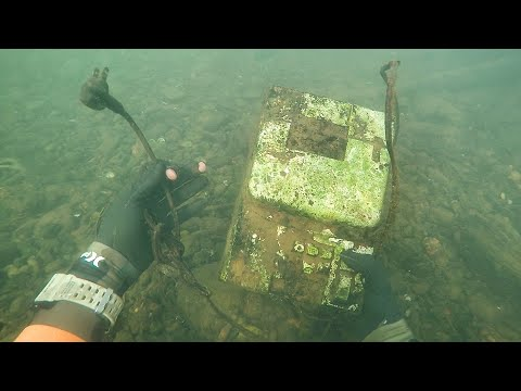 Found Old Cash Register in River While Scuba Diving! (Money Inside??) | DALLMYD
