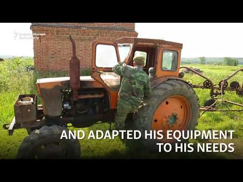 , title : 'After Losing Feet, Russian Farmer Stands Strong
