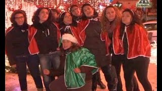 preview picture of video 'Babbo Natale sbarca dal mare                               (vogatori Cervone Giovinazzo)'
