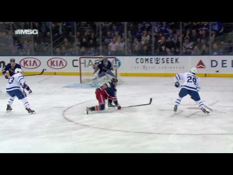 From the streets to the Garden, Nylander scores on Lundqvist