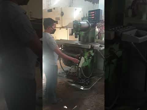 Universal Milling Machine Schaublin