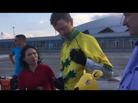 Австралийцы на велосипедах приехали на матч сборной в Самару из Казани