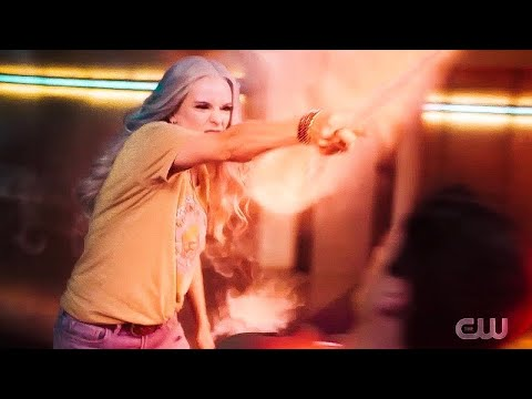The flash 6x03 || killer frost training with Barry