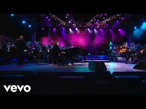 "Andrea Bocelli Canta La Inolvidable ""Solamente Una Vez"""
