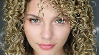HOW TO TRAIN YOUR CURLY HAIR TO BE MORE DEFINED WITH FINGER COILING
