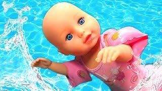 Bebek bakma ve havuz oyunları - seçkin bölümler! Oyuncak bebek videoları