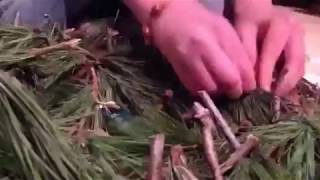 VLOG:  Make a Wreath for the Holidays Wreath Fast!