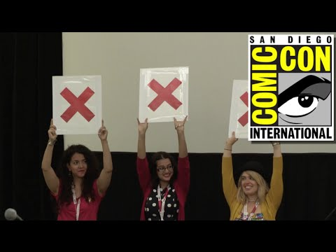 Sci-Fi/Fantasy Family Feud Panel at San Diego Comic Con 2015